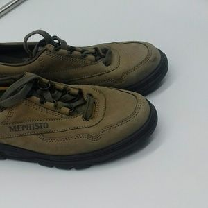 Mephisto Run off gray suede pre owned size 6.5